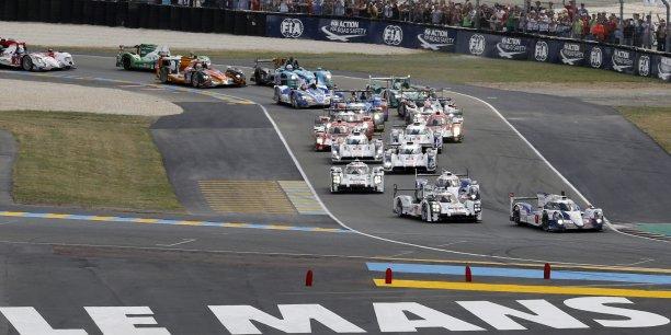Les 24 heures, un événement phare pour le monde automobile, une tribune de choix pour les Ford de Bordeaux