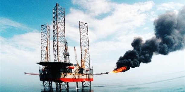 Nous pensons que 60 dollars le baril sera le niveau plancher auquel les producteurs de pétrole de schistes en pleine expansion aux Etats-Unis commenceront à sentir le vent du boulet, estime Natalie Rampono, analyste chez ANZ.