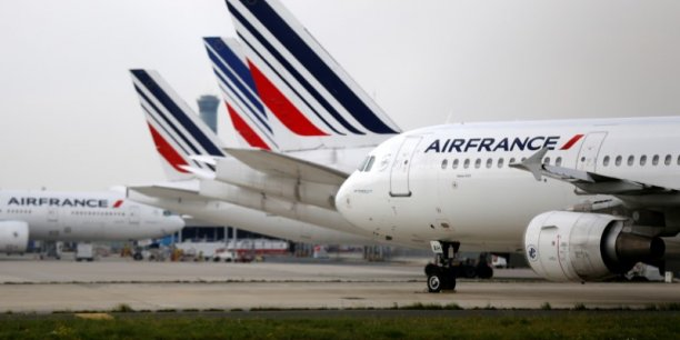 La direction avait alors refusé de rétablir immédiatement les plannings initiaux des pilotes ayant manifesté leur intention de faire grève.