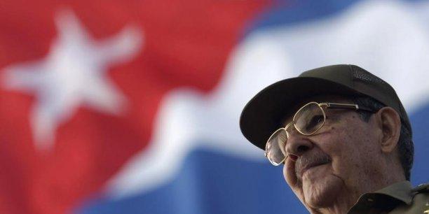 Le peuple cubain salue cette décision juste du président des Etats-Unis Barack Obama. Elle entérine la levée d'un obstacle aux relations entre nos pays, a déclaré le président cubain dans un discours de clôture d'une session parlementaire semestrielle.