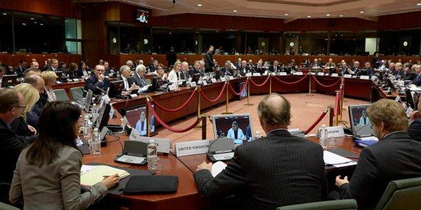 L'AED, qui a géré en 2013 un modeste budget de 30,5 millions d'euros, a pour mission d'améliorer les capacités de défense de l'Union européenne et de combler les lacunes capacitaires identifiées et persistantes en Europe.