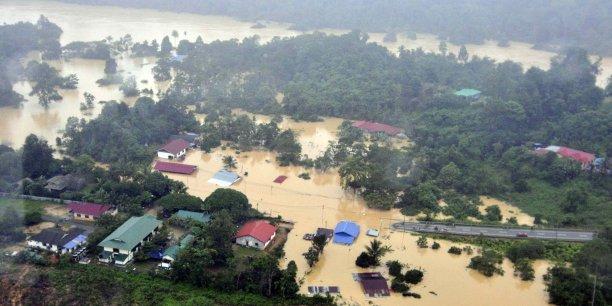 Les inondations ont représenté à elles seules 47% des catastrophes climatiques (entre 1995 et 2015) et ont affecté 2,3 milliards de personnes, dont l'immense majorité (95%) en Asie.