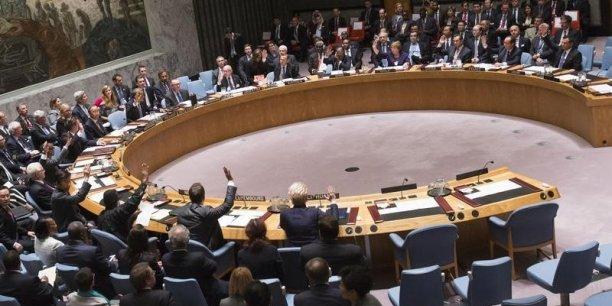 Dans une très brève déclaration, le délégué israélien Israël Nitzan a disqualifié une proposition unilatérale grotesque et prévenu les Palestiniens qu'il ne leur servirait à rien de s'agiter et de provoquer.