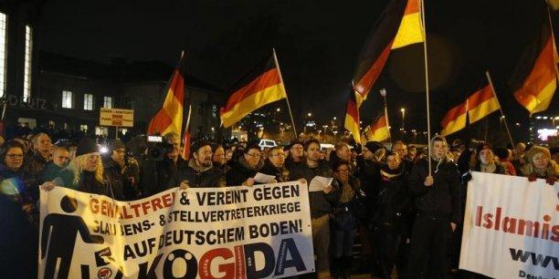 Manifestation anti raciste et pour l'accueil des immigrés en Allemagne