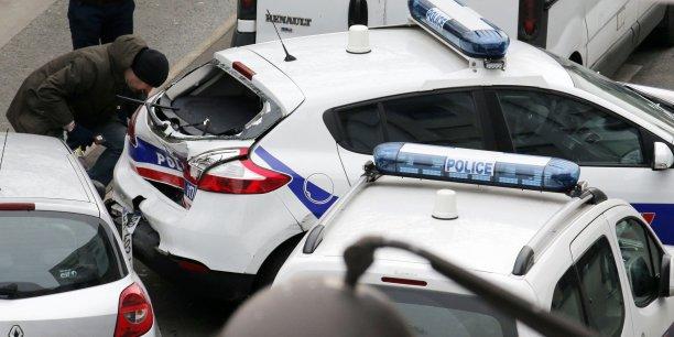 Selon iTELE, les interpellations se sont notamment déroulées à Montrouge, Fleury-Mérogis et Grigny, ville d'où était originaire Amedy Coulibaly, qui a tué cinq personnes la semaine dernière.
