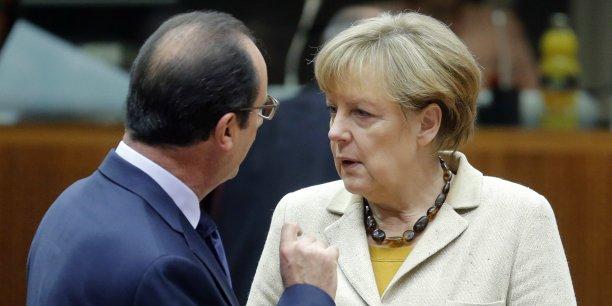 Le président français avait annoncé lundi 5 janvier qu'il rencontrerait la chancelière allemande ce dimanche pour parler de l'avenir de l'Europe,de la relation franco-allemande.