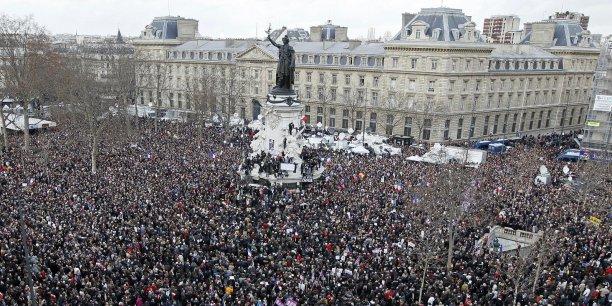 Ils étaient au moins 1,5 million de personnes (1,2 à 1,6 selon le dernier décompte) à avoir marché ce dimanche à Paris pour rendre hommage aux victimes des attentats;