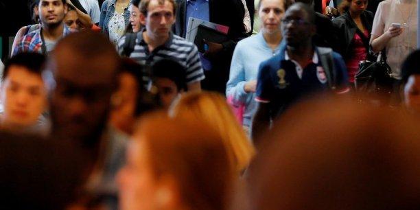 Entre 2006 et 2014, la population résidant en France a progressé de 2,6 millions, soit un accroissement de 0,5% par an en moyenne.
