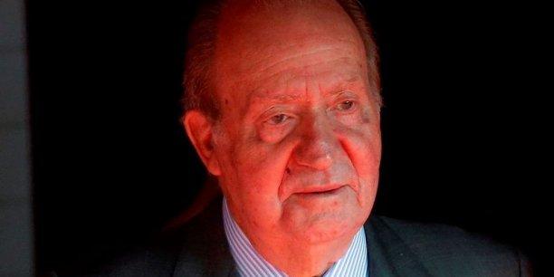 Le prince héritier Mohammed Bin Salman (MBS) avait exigé la démission de la ministre de la Défense espagnole, Margarita Robles faute de quoi il annulait les contrats espagnols en cours en Arabie Saoudite (TGV entre Medine et la Mecque, contrat Avante 2200...). Juan Carlos 1er a trouvé un compromis avec le roi Salmane ben Abdelaziz Al Saoud, le père de MBS