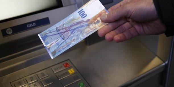 C'est une décision très risquée. La réaction des marchés montre qu'elle est extrême, a commenté Alessandro Bee, économiste de la banque Sarasin.