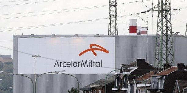 Selon le directeur financier du groupe, Aditya Mittal, fils du PDG du groupe Lakshmi, les carnets de commande étaient davantage remplis au premier trimestre 2015 qu'un an plus tôt.