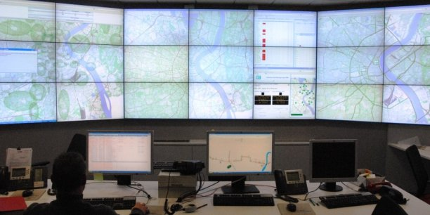 10.000 capteurs, 716 carrefours, plus de 950 feux, le PC circulation de Gertrude pour Bordeaux Métropole est piloté par une équipe de sept personnes