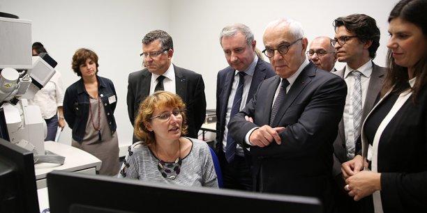 Jean-Luc Moudenc, Martin Malvy, Bertrand Monthubert, président de l'université Paul Sabatier et Virginie Rozière ont visité l'ensemble du site sur lequel travaillent plus de 200 personnes. © photo Rémi Benoit
