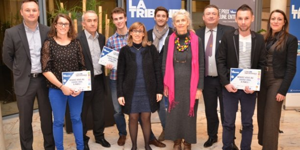 Photo de groupe mercredi 21 janvier au Conseil Régional des Pays de la Loire en compagnie des finalistes et des partenaires ainsi que Geneviève Lebouteux, Conseillère régionale des Pays de la Loire.