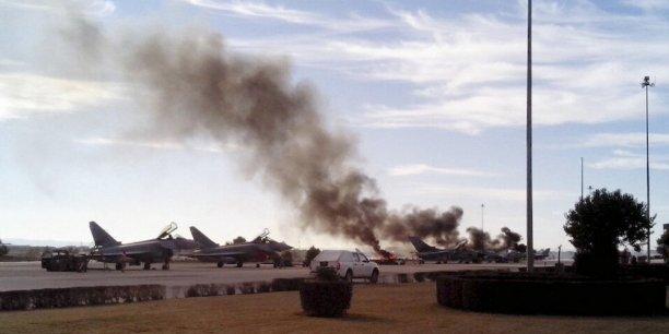 Dix morts dont huit Français dans le crash d'un F-16 des Forces aériennes grecques à Albacete en Espagne lors d'un exercice international organisé par l'OTAN
