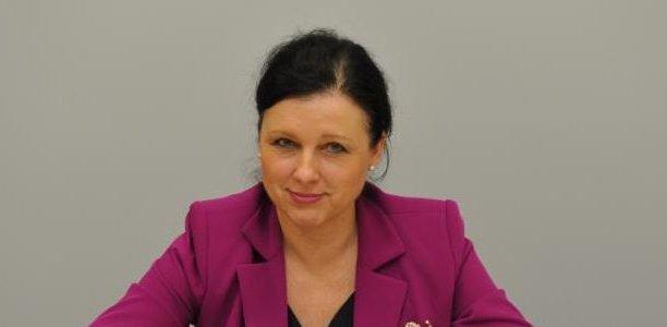 VěraJourová, commissaire européenne chargée de la justice, des consommateurs et de l'égalité des genres