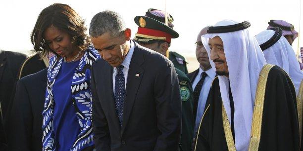 Mardi 27 janvier, Barack Obama a fait escale en Arabie saoudite avec son épouse, pour présenter ses condoléances après la mort le 23 janvier du roi Abdallah et parler avec son successeur, le roi Salmane,