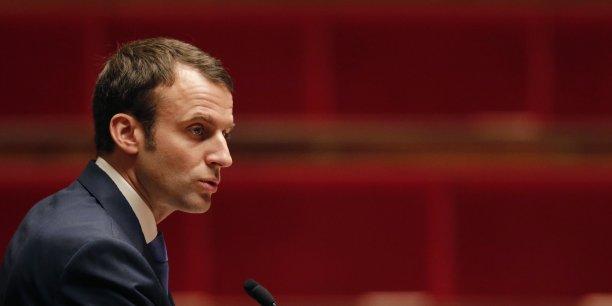Au lendemain du raid de l'Etat dans le capital de Renault, Emmanuel Macron assure que cette opération n'est que temporaire.