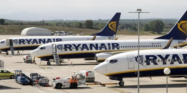 Ryanair vise désormais aussi les grandes plateformes aéroportuaires pour attirer davantage de voyageurs d'affaires.