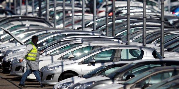 Par ailleurs, sur les quatre premiers mois de l'année,les deux constructeurs français ont perdu des parts de marché.  PSA (+3,6%) devance Renault (+3%), dans un marché affichant une hausse de 5,6% des immatriculations de voitures neuves.
