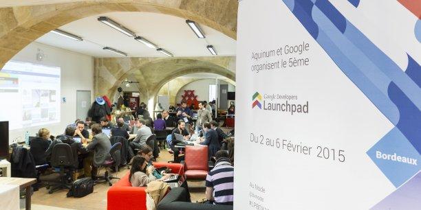 Séances de travail pour les 12 startups participantes et les mentors présents durant la 1re journée du Launchpad bordelais