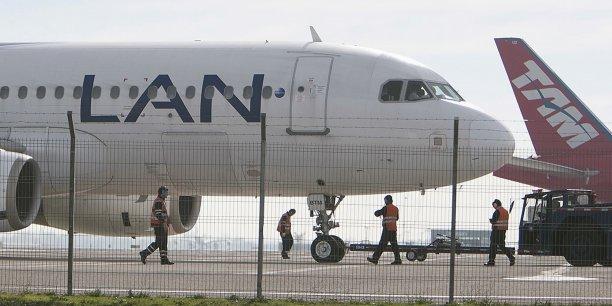 Les trois groupes, en charge de l'exploitation et du développement de l'aéroport, prévoient la construction un nouveau terminal de 175.000 m².