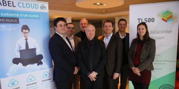 Les candidats et organisateurs du Label Cloud (de gauche à droite) : Laurent Bacca (FullSave), Tony Marchand (Digital Place), Olivier Nicolas (e-Citiz à Softeam Cadextan), Alain Rabary (Val informatique), Stéphane Vinazza (Synox group), Simon Bretin (Inforsud diffusion) et Cateline Puccetti (Eurécia).