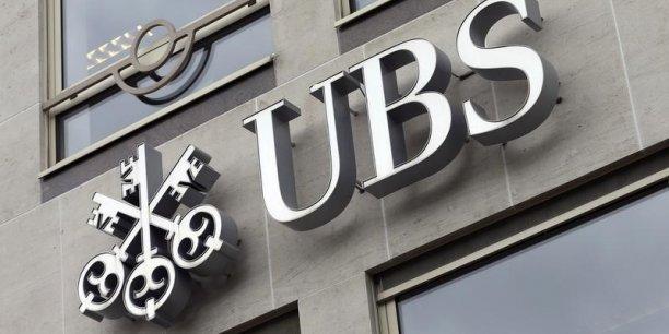 Après avoir été mise en examen en juin 2013 pour démarchage illicite, UBS a été mise en examen par les juges Serge Tournaire et Guillaume Daïeff à l'été 2014 pour blanchiment aggravé de fraude fiscale sur la période 2004-2012.