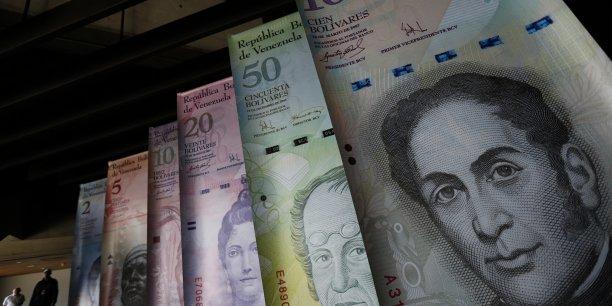 La nouvelle plateforme pour les opérations de change, baptisée système de change marginal ou Simadi, s'ajoutera au mécanisme actuel, en fournissant un cadre légal pour les transactions en devises sur la base d'une libre confrontation de l'offre et de la demande, a expliqué le ministre des Finances.