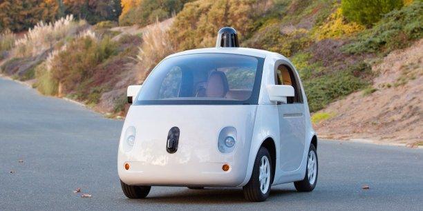 Les tests seront conduits avec une personne présente dans l'habitacle et à même de prendre le contrôle du véhicule en cas de besoin. En photo, la Google Car.