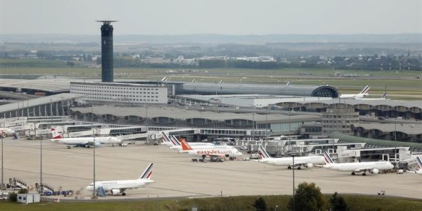 Selon la Chambre syndicale du transport aérien et la Chambre syndicale de l'assistance en escale, ADP a proposé une hausse des redevances de 2,12% en 2018 lors de sa dernière Commission consultative économique.