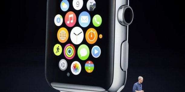 Le modèle d'entrée de gamme, baptisé Apple Watch Sport sera commercialisé à partir de 349 dollars (environ 305 euros).