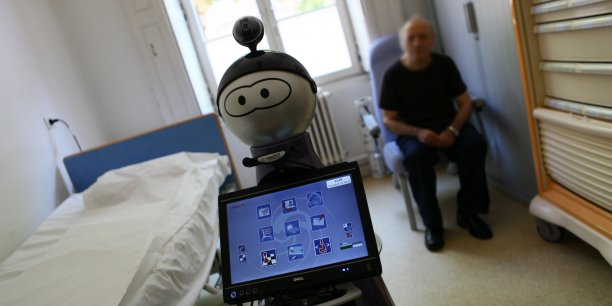 Pour faciliter l'utilisation de ces offres, E for IA propose une tablette tactile avec tous ses servies, à destination du personnel soignant.