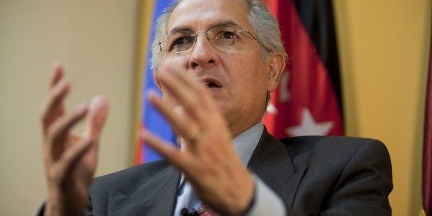 Les partisans du maire de Caracas ont dénoncé un acte autoritaire du gouvernement, accusé de diversion pour détourner l'attention de la crise économique que traverse le pays.