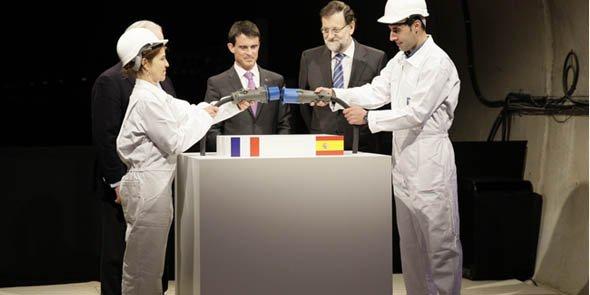 Manuel Valls et Mariano Rajoy à l'entrée du tunnel des Albères