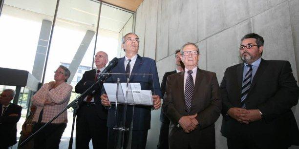 Jean-Jack Queyranne, président de la région Rhône-Alpes et René Souchon, président de la région Auvergne, regarde cette fusion dans la même direction.