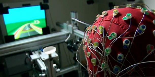 Projet Neuroracer : Les jeux vidéo améliorent ici les compétences cognitives qui déclinent avec l'âge.