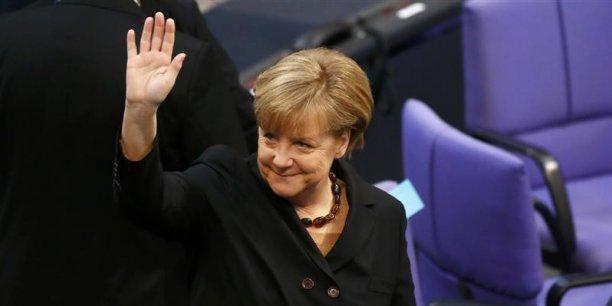 La chancelière allemande Angela Merkel a adressé un satisfecit à la France concernant son objectif de réduction du déficit.