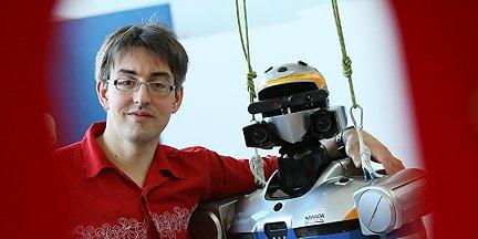 Nicolas Mansard et le robot HRP2