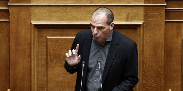 Dans un entretien au quotidien italien Il Corriere della Sera, Varoufakis souligne: La Grèce n'est pas retombée en récession, pour la simple raison qu'elle n'en est jamais sortie.
