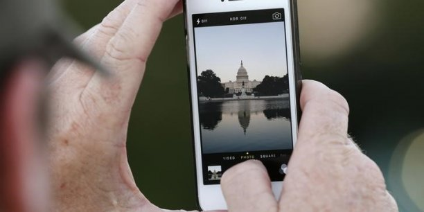 Le lancement de l'iPhone et l'arrivée par la suite de l'App Store, à l'été 2008, ont marqué un changement fondamental dans le domaine de la photographie. Depuis, les photos prises avec un smartphone et celles prises avec un appareil photo numérique ont commencé à se ressembler.