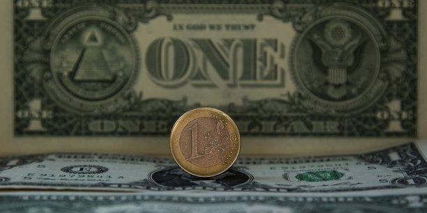 Vers 22H00 GMT (23H00 à Paris), mardi, la monnaie unique européenne valait 1,0644 dollar.