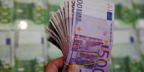 La campagne de Carole Delga pourrait coûter 700 000 euros, celle de Dominique Reynié 1,5 million d'euros