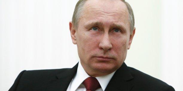 J'aimerais vous informer que le président Vladimir Poutine a décidé que la Russie va participer au capital de la banque asiatique d'investissement dans les infrastructures (AIIB), a déclaré samedi le vice-Premier ministre russe, Igor Chouvalov.