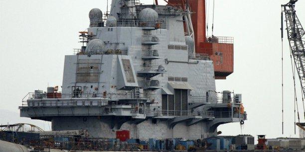 Le premier porte-avions, le Liaoning, est en service depuis 2012.