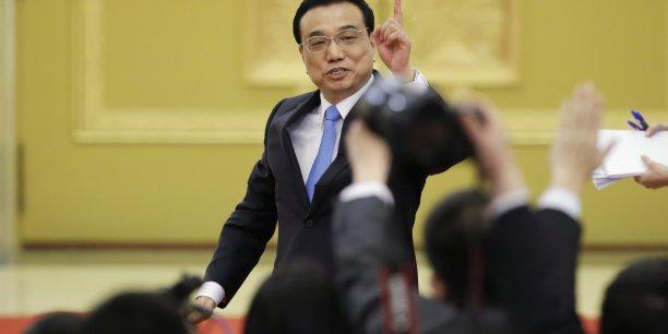 Li Keqiang a par ailleurs réaffirmé sa politique de lutte contre la pollution de l'air, des terres et de l'eau.