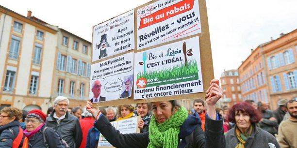 Le rassemblement des agriculteurs bio a eu lieu devant la préfecture à Toulouse.