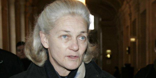 L'opération ramènera la participation de la philosophe et essayiste Elisabeth Badinter et de son groupe familial de 8,67% à 7,58% du capital et de 15,87% à 13,88% des droits de vote.