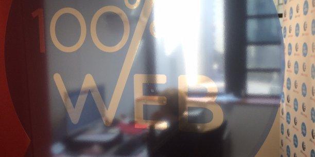Visioconférences, échanges de mails, chat, l'agence Pôle emploi 100 % web de Bordeaux dématérialise la relation entre conseiller et demandeur d'emploi. Les utilisateurs sont globalement satisfaits