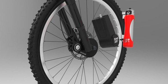 Bimp'Air, système de gonflage autonome et rechargeable, se pose sur la roue du vélo et se recharge avec le pédalage.
